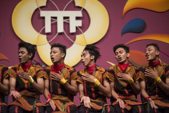 DANS UIT ATJEH INDONESIE TONG TONG FAIR